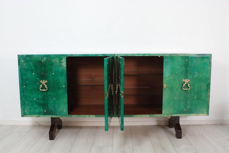 1960s Hollywood Regency Emerald Green Goatskin Credenza by Aldo Tura For Sale 6