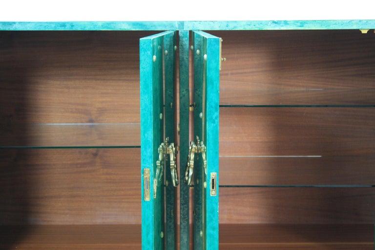 1960s Hollywood Regency Emerald Green Goatskin Credenza by Aldo Tura For Sale 7
