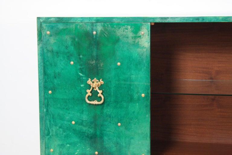 1960s Hollywood Regency Emerald Green Goatskin Credenza by Aldo Tura For Sale 8