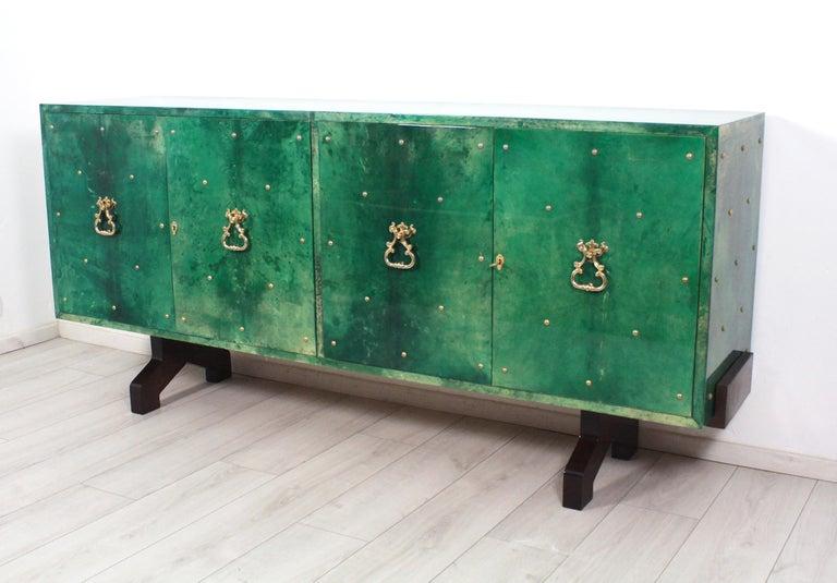 Italian 1960s Hollywood Regency Emerald Green Goatskin Credenza by Aldo Tura For Sale