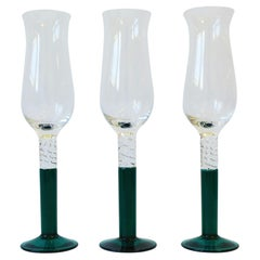 Emerald Green Art Glass Champagne Flutes Glasses, circa 1990s, Set of 3