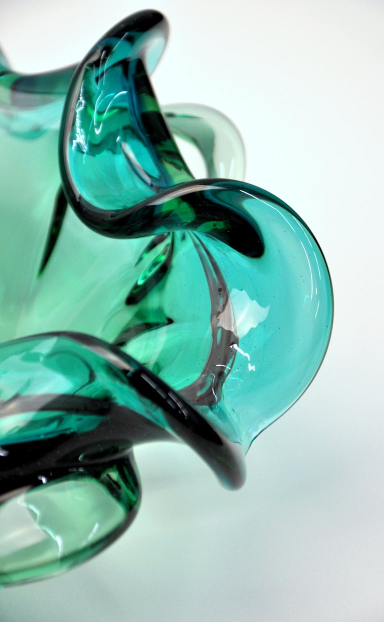 Mid-20th Century Emerald Green Murano Glass Bowl For Sale