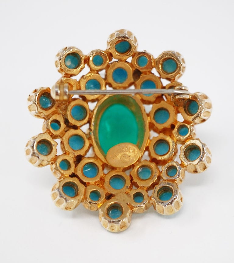 Emerald Green Rhinestone Statement Brooch by DeNicola, circa 1960, Signed In Excellent Condition For Sale In Los Angeles, CA