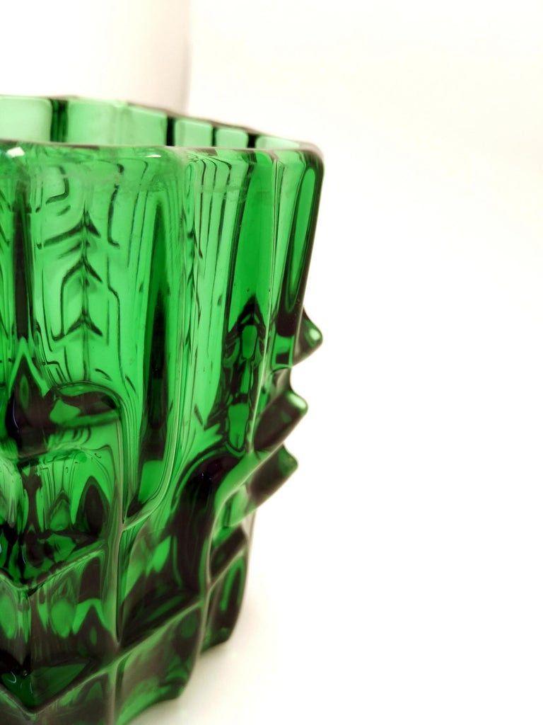 Emerald Green Vase by Vladislav Urban for Sklo Union, 20th Century, Europe 1960s In Good Condition For Sale In Budapest, HU