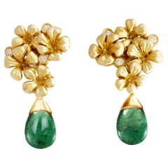 Emerald Contemporary Stud Earrings in 18 Karat Yellow Gold with Diamonds