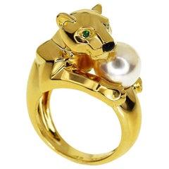 Emerald Onyx 18 Karat Yellow Gold Panthere Vedra Pearl Ring
