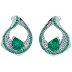 Emerald Pear Shape 4.22 Carat Diamonds Emeralds 18 Karat White Gold Earrings