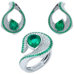 Emerald Pear Shape 6.25 Carat Diamonds Emeralds 18 Karat White Gold Suite