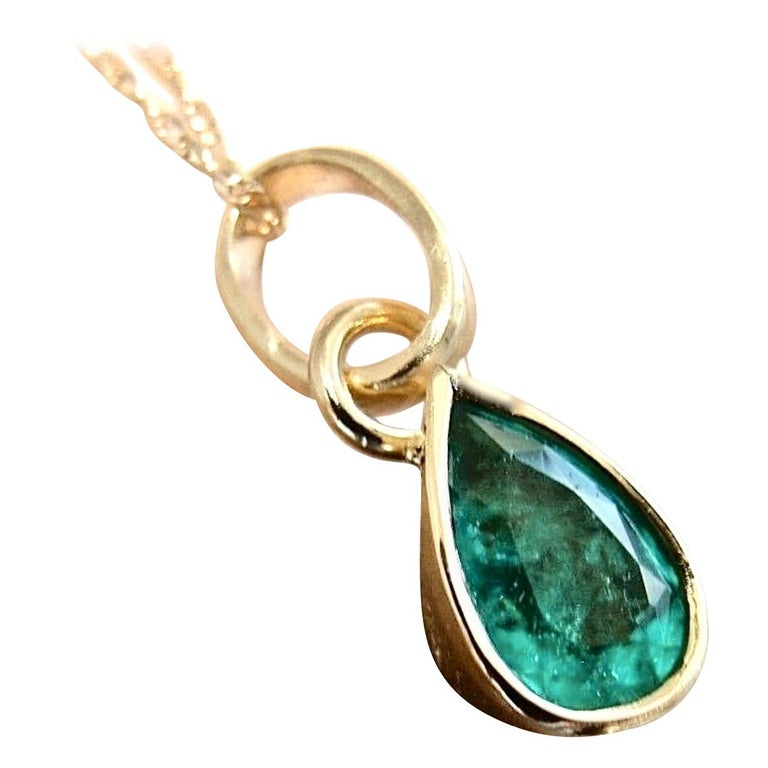 Emerald Pendant Charm 18 Karat Yellow Gold