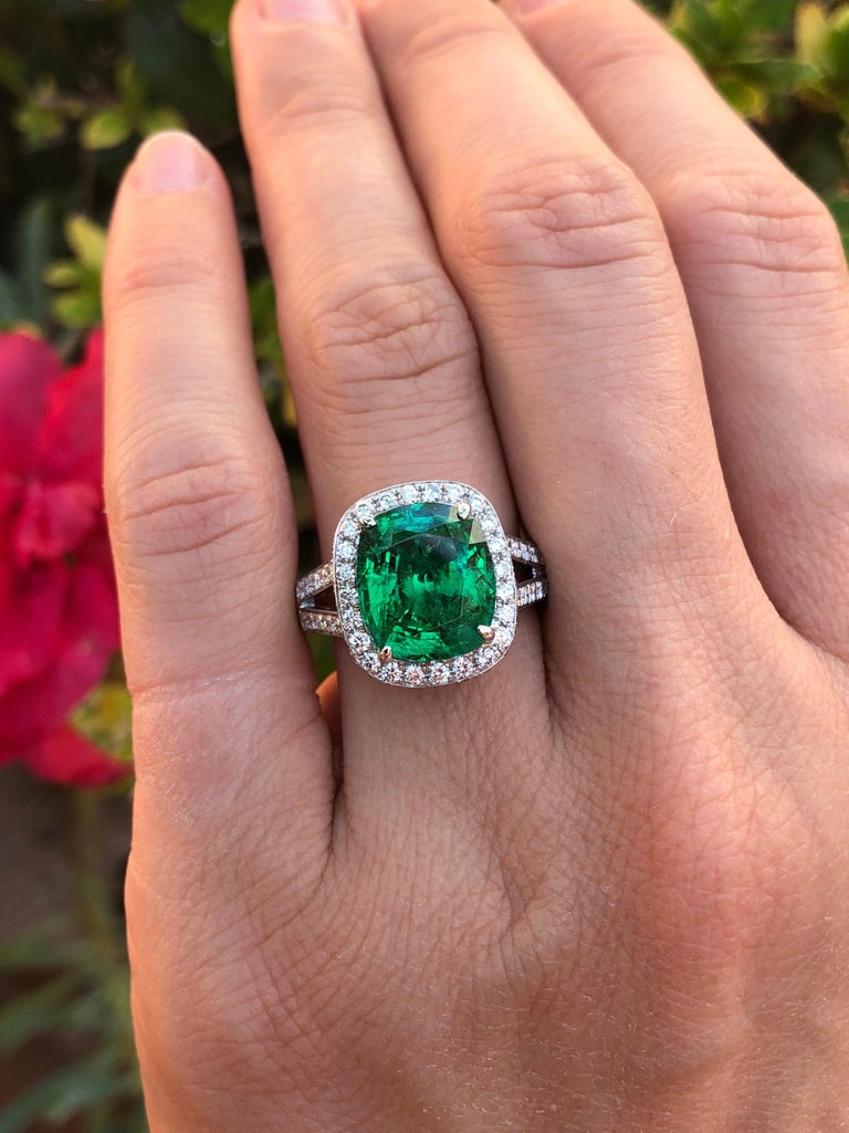 Emerald Ring Cushion Cut 4.66 Carats For Sale 5