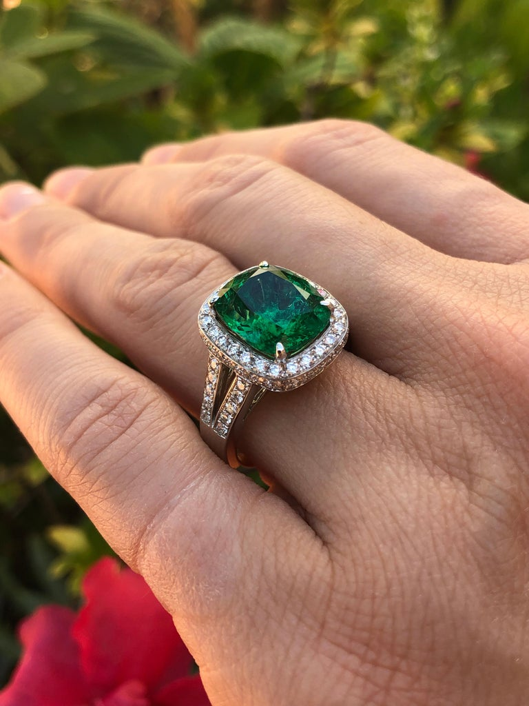 Emerald Ring Cushion Cut 4.66 Carats For Sale 1