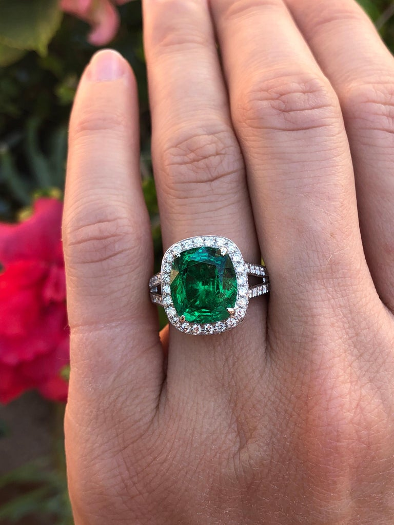 Emerald Ring Cushion Cut 4.66 Carats For Sale 2