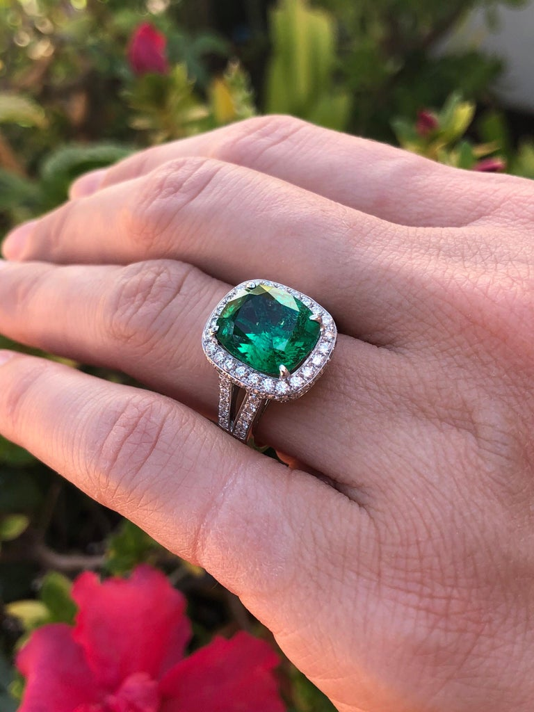 Emerald Ring Cushion Cut 4.66 Carats For Sale 4