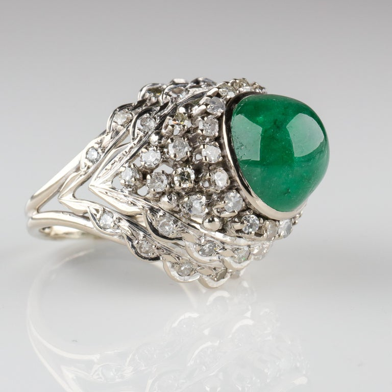 Emerald Ring with Diamonds Retro Era In Good Condition For Sale In Southbury, CT