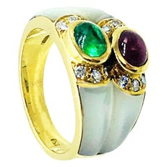 Emerald Ruby Cabochon Gemstones Dome Ring 18 Karat Mother of Pearl