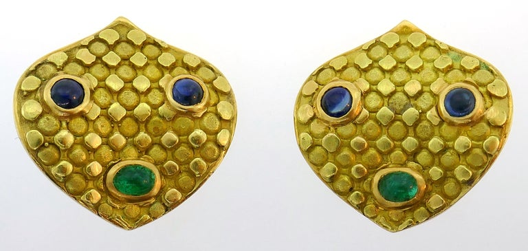 Emerald Sapphire Gold Necklace and Earrings Set, French, 1970s Signed J.W. For Sale 1