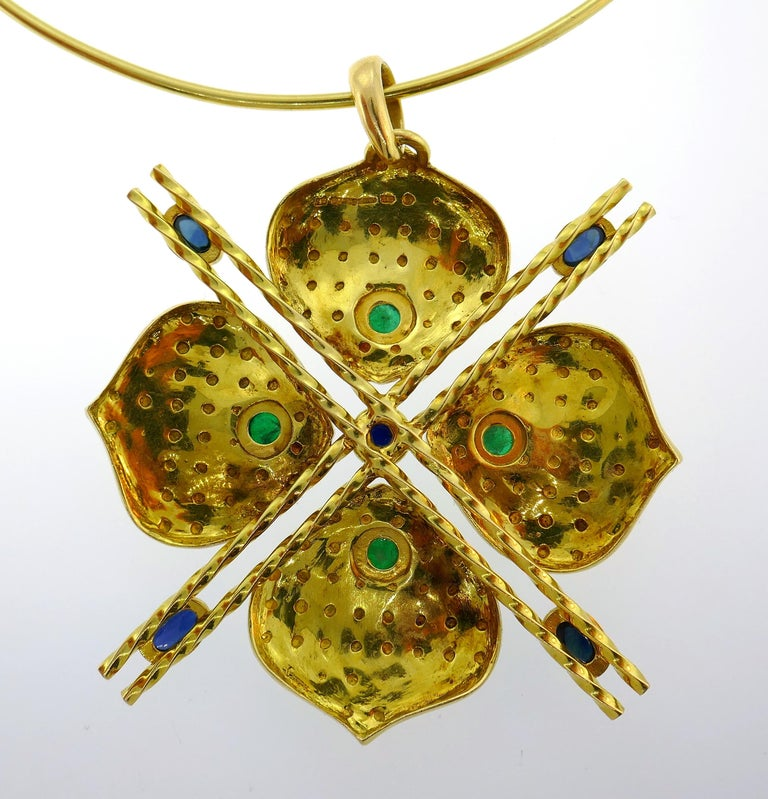 Emerald Sapphire Gold Necklace and Earrings Set, French, 1970s Signed J.W. For Sale 2
