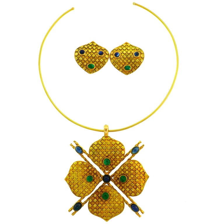 Emerald Sapphire Gold Necklace and Earrings Set, French, 1970s Signed J.W. For Sale