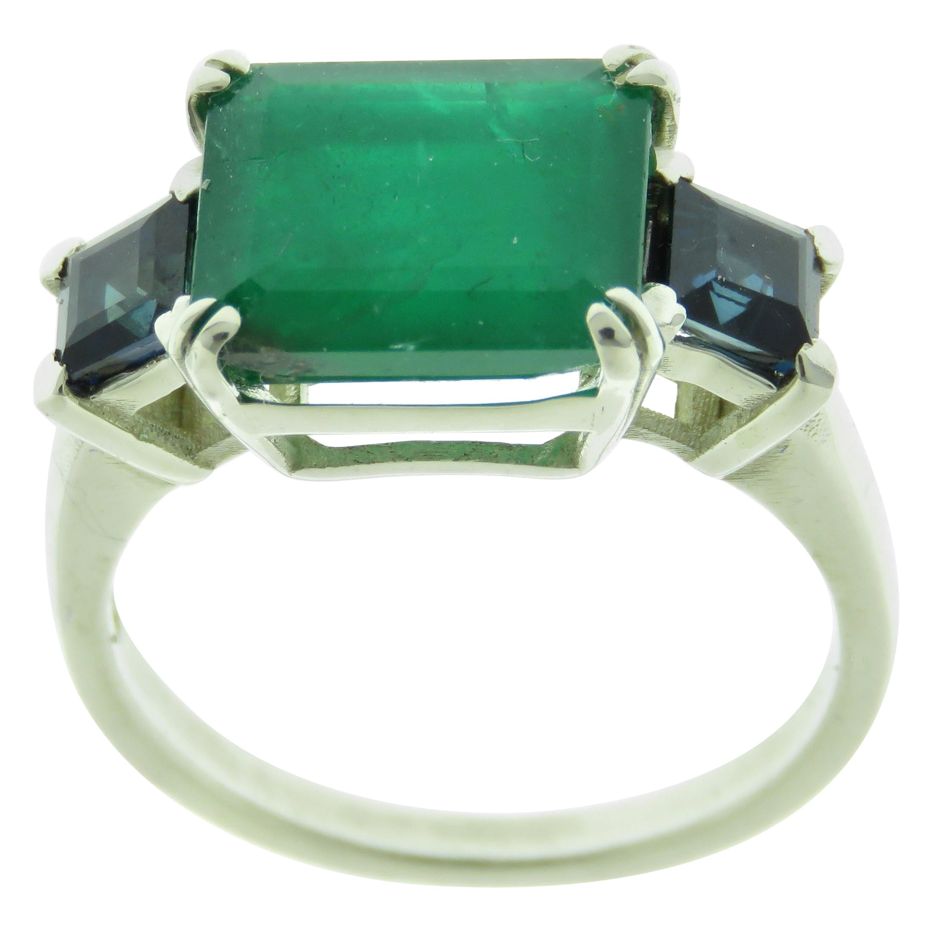 Emerald Sapphires 9 Karat White Gold Cocktail Ring Handcrafted in Italy