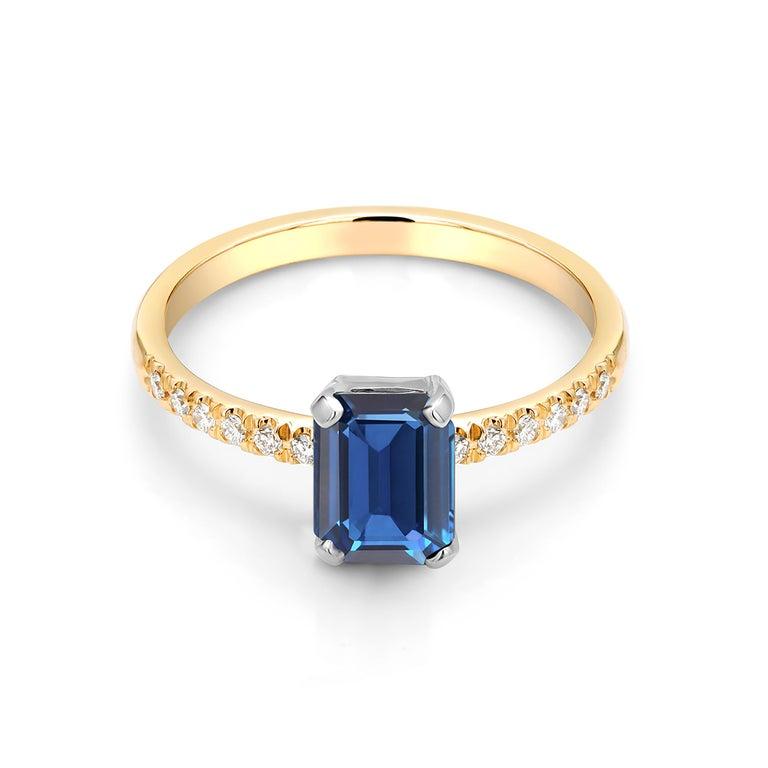 Emerald Shape Sapphire Diamond 18 Karat Yellow Gold Cocktail Gold Ring For Sale 2