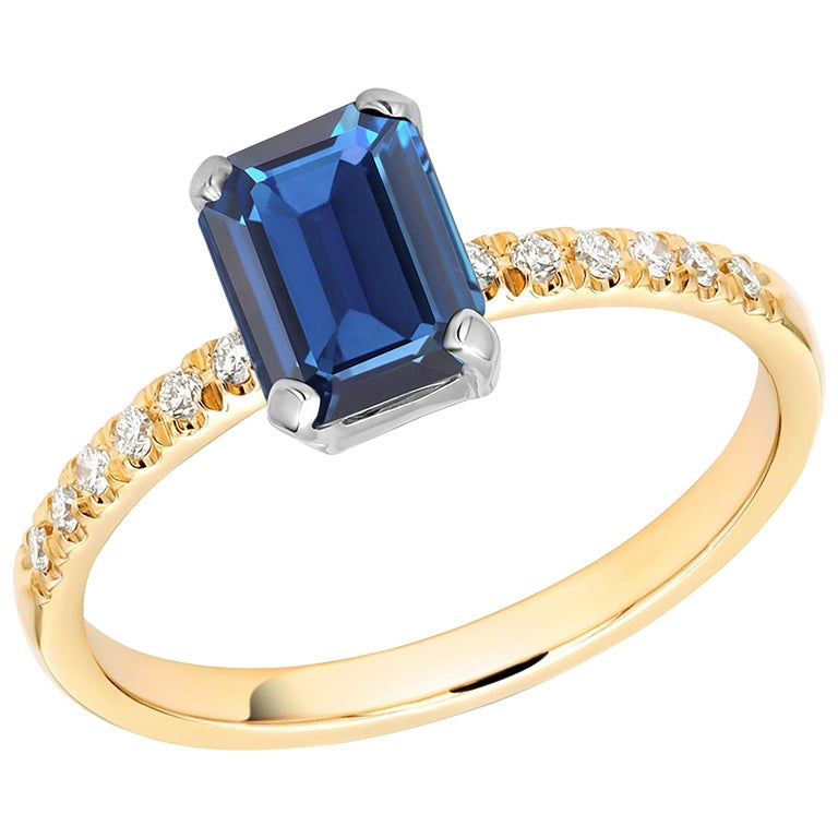 Emerald Shape Sapphire Diamond 18 Karat Yellow Gold Cocktail Gold Ring For Sale