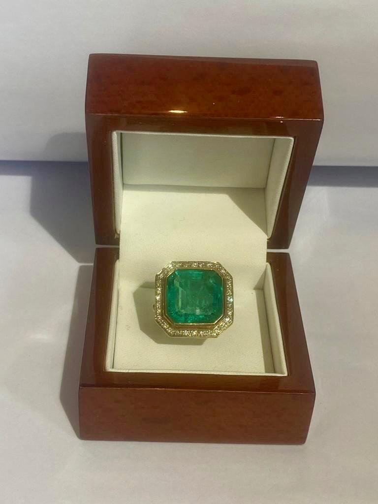 Emerald Cut Colombian Emerald Solitaire Ring 16 Carats For Sale