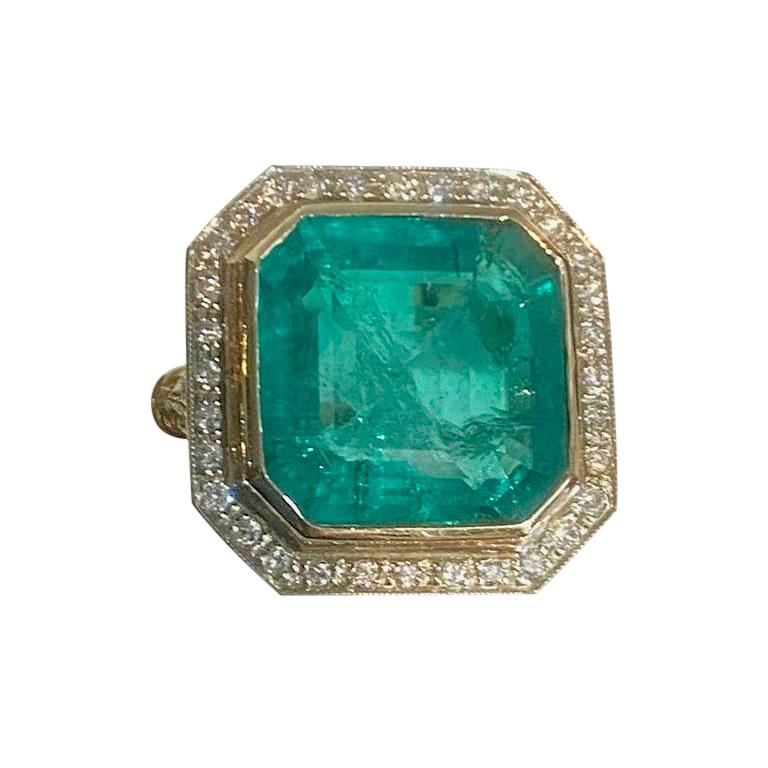 Colombian Emerald Solitaire Ring 16 Carats For Sale