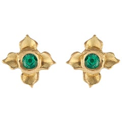 Emerald Stud Earring in Lotus Flower Motif