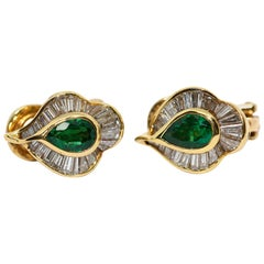 Emerald Stud Earrings with 55 Diamonds, by Hans Stern, 18 Karat Gold