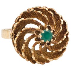 Emerald Swirl Cocktail Ring Vintage 14 Karat Yellow Gold Estate Fine Jewelry