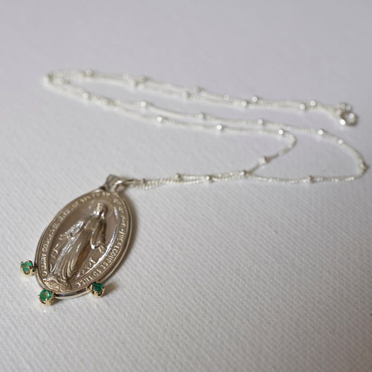 Emerald Virgin French Miraculous Medal Oval Coin Pendant Chain Necklace Silver For Sale 4