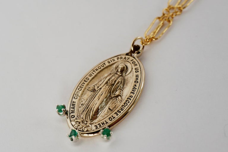 Emerald Gem Virgin Mary  Medal Coin Oval Miraculous Chain Necklace J Dauphin In New Condition For Sale In Los Angeles, CA