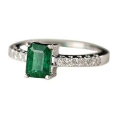 Emerald White Gold Ring and Diamonds 14 Karat Emerald Cut 0.80 Carat