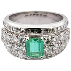 Emerald with Round and Baguette Diamonds White Gold Ring Made in Italy