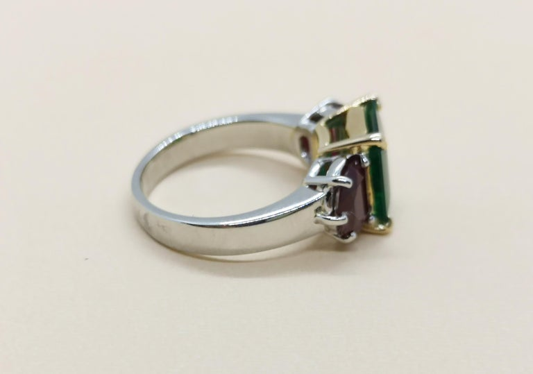 Emerald with Ruby Ring Set in Platinum 950 Settings In New Condition For Sale In Bangkok, TH