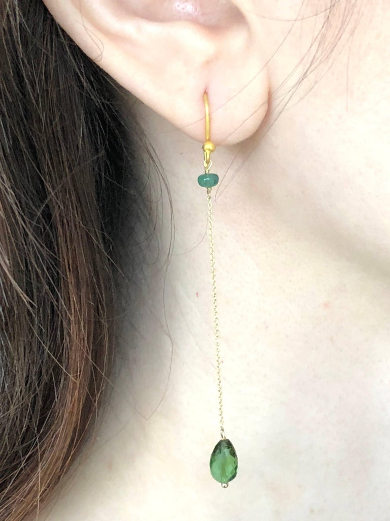 Limited edition of 5 OCTOBRE Collection, these earrings are in 14K gold with green tourmaline, briolette cut and emerald.   Brand : 5 OCTOBRE Designer : Sophie Pfeffer
