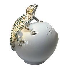 Emeralds, 24-Karat Pure Gold, Porcelain Luxury Lizard Sculpture Egg Caviar Bowl