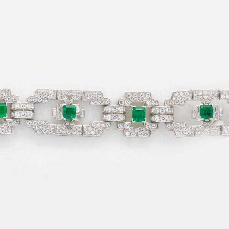 Round Cut Emeralds 4.80 Carat and Diamonds 7.80 Carat Platinum Bracelet For Sale