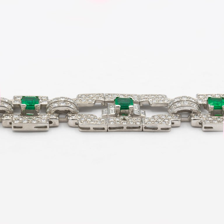 Women's or Men's Emeralds 4.80 Carat and Diamonds 7.80 Carat Platinum Bracelet For Sale