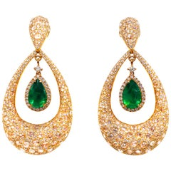 Emeralds 6.80 Carat and Diamonds 12.50 Carat Earrings 18 Karat Gold