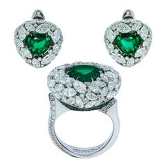 Emeralds Diamonds 18 Karat White Gold Suite