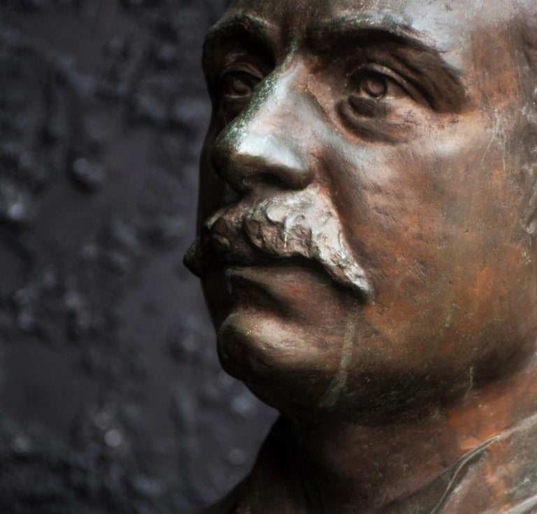 Emile Daviol Signed Bronze Bust In Good Condition For Sale In London, GB