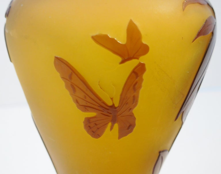 Emile Galle Cameo Glass Bud Vase in Amber and Amethyst, circa 1900 For Sale 8
