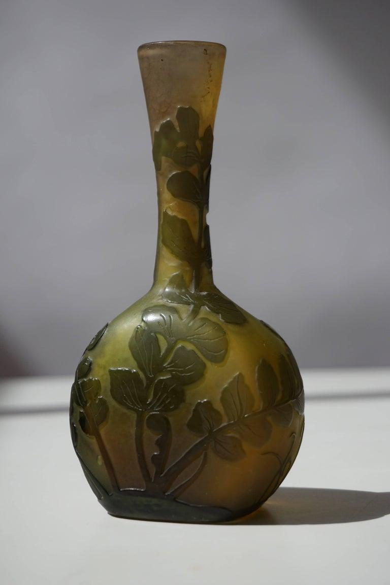 Emile Gallé French Art Nouveau Cameo Glass Vase For Sale 1