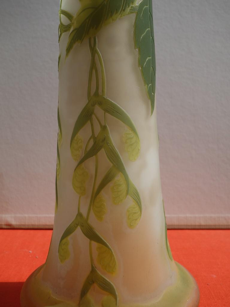 Art Nouveau French Cameo Glass 'Maple Vase' by Emile Gallé, Nancy - 45cm For Sale 4