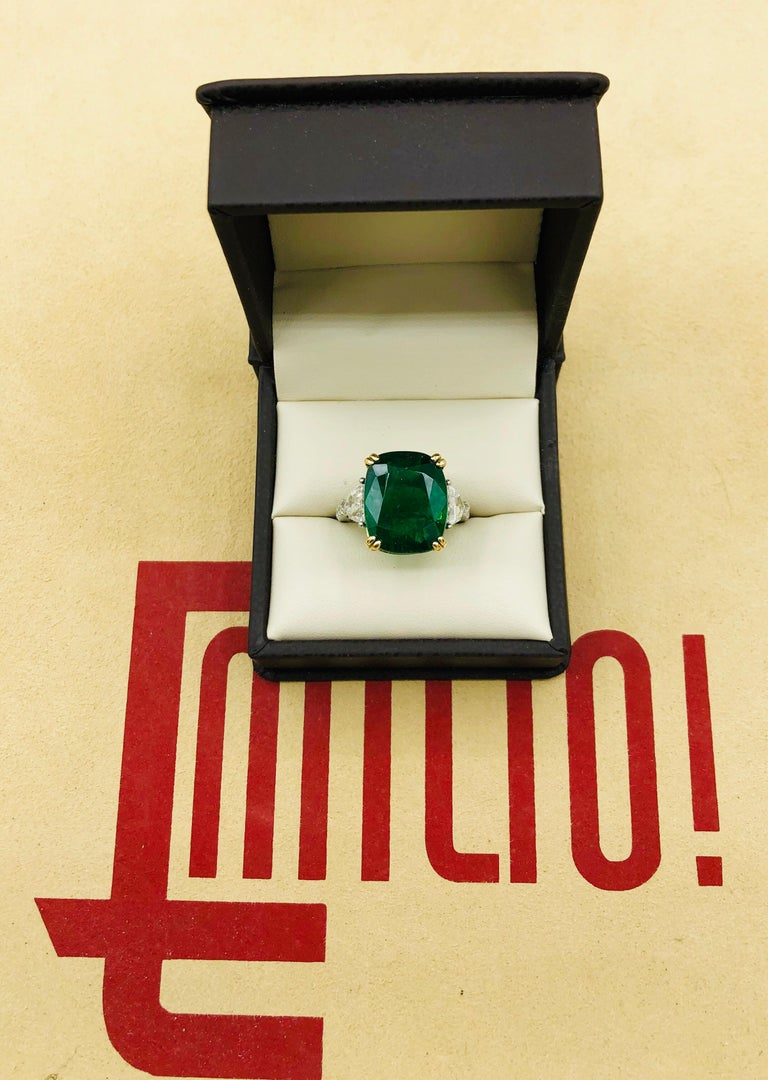 Emilio Jewelry 12.27 Carat Certified Genuine Emerald Diamond Ring For Sale 4