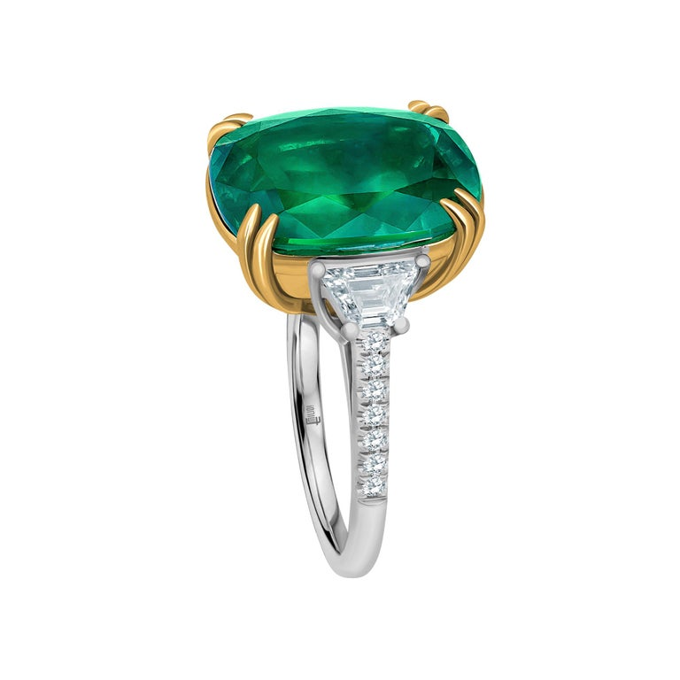 Emilio Jewelry 12.43 Carat Certified Vivid Green Cushion Emerald Diamond Ring In New Condition For Sale In New York, NY
