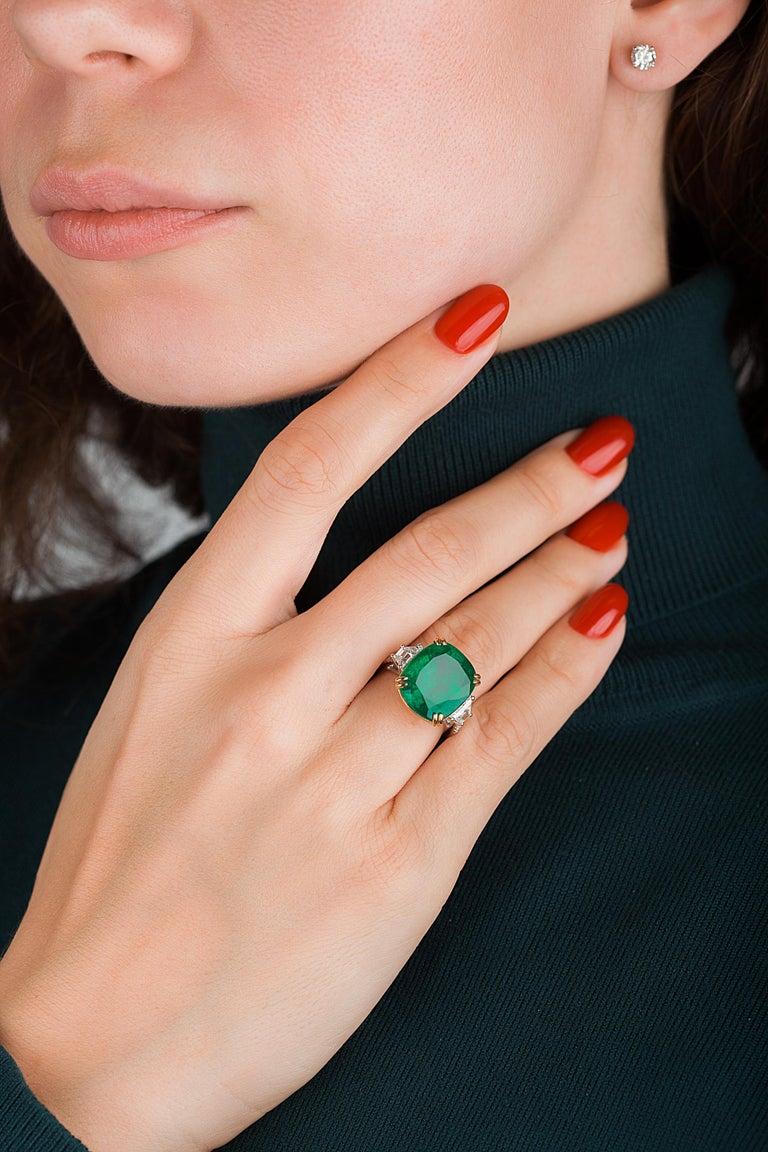 Women's or Men's Emilio Jewelry 12.43 Carat Certified Vivid Green Cushion Emerald Diamond Ring For Sale