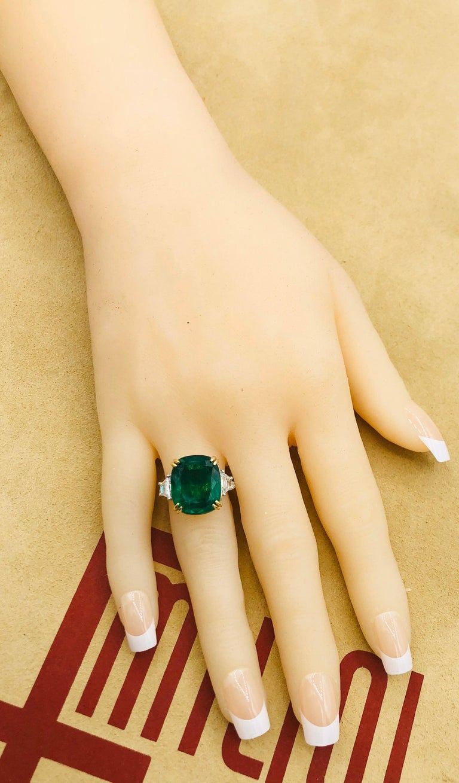 Emilio Jewelry 12.43 Carat Certified Vivid Green Cushion Emerald Diamond Ring For Sale 5