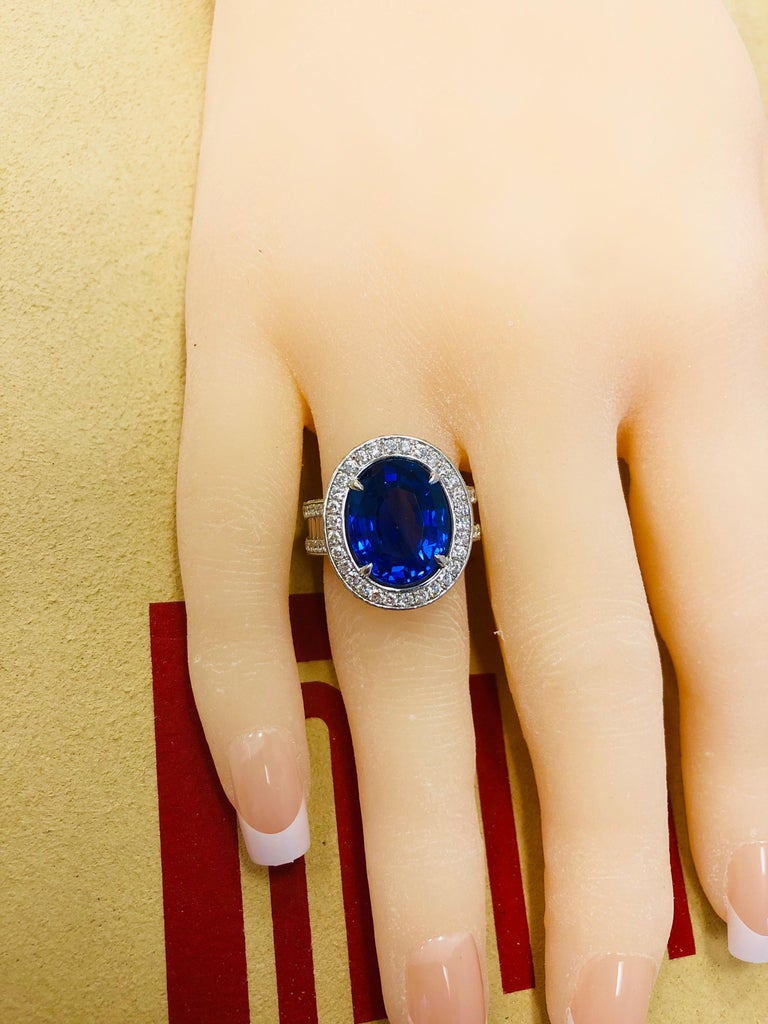 Emilio Jewelry 12.70 Carat Unheated Certified Ceylon Sapphire Diamond Ring For Sale 4